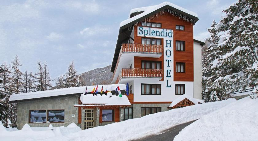 More about Hotel Splendid