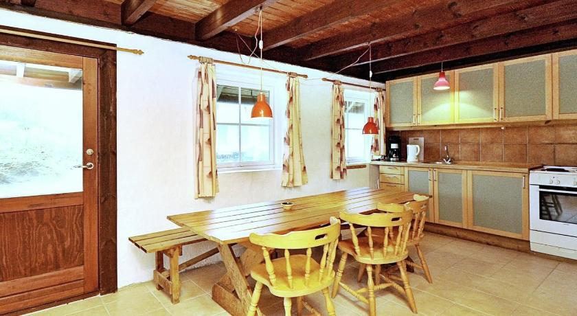 莱姆维格10号三卧室度假屋 (Three-Bedroom Holiday home in Lemvig 10)
