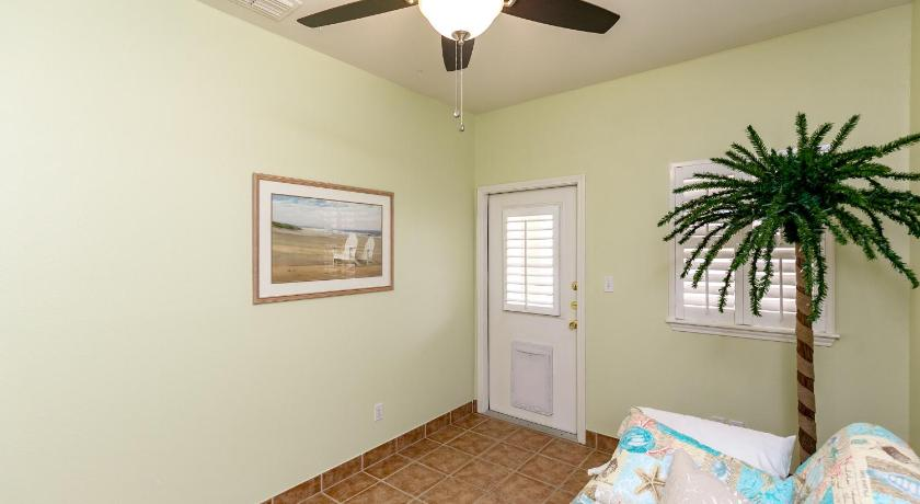 North Padre Condo 15110 Leeward Dr Townhouse