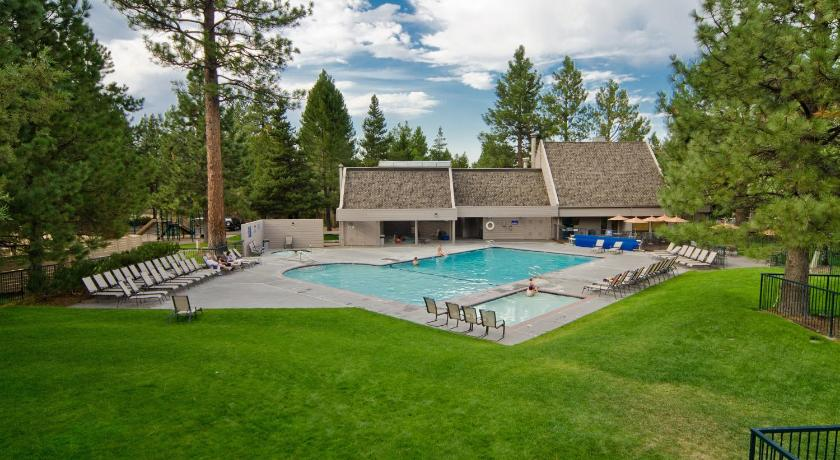 Piscina Mount Bachelor Village Resort