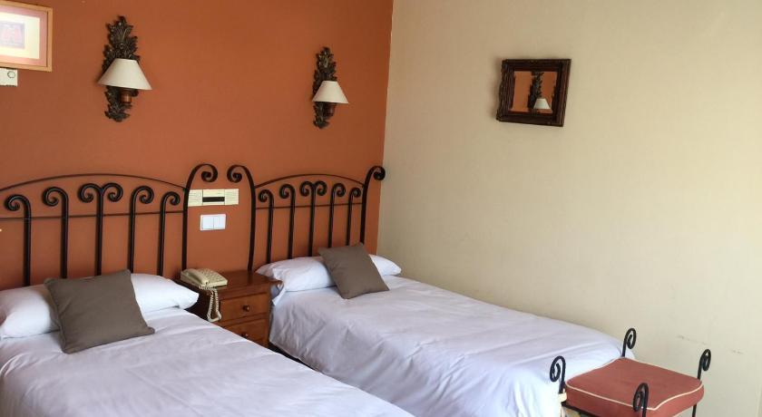 Hotel Arco San Vicente-12244551