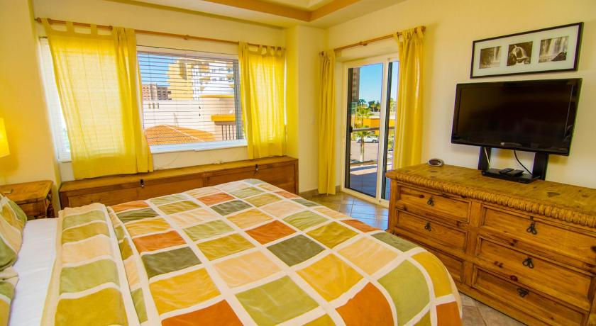 Two-Bedroom Holiday Home Delphin 302 Home