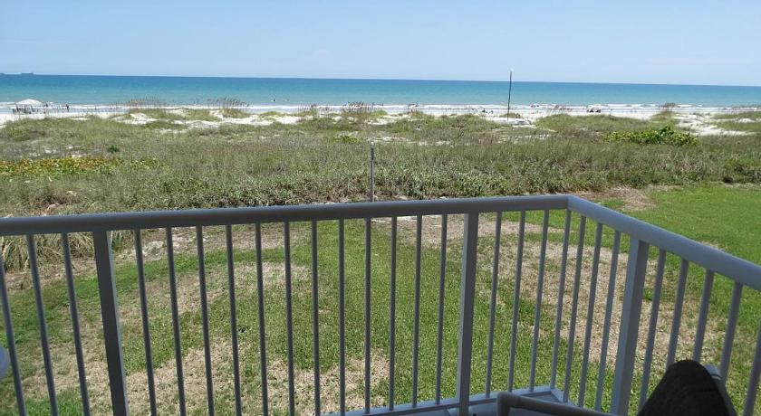 Direct Oceanfront Luxury Condo #61 Condo
