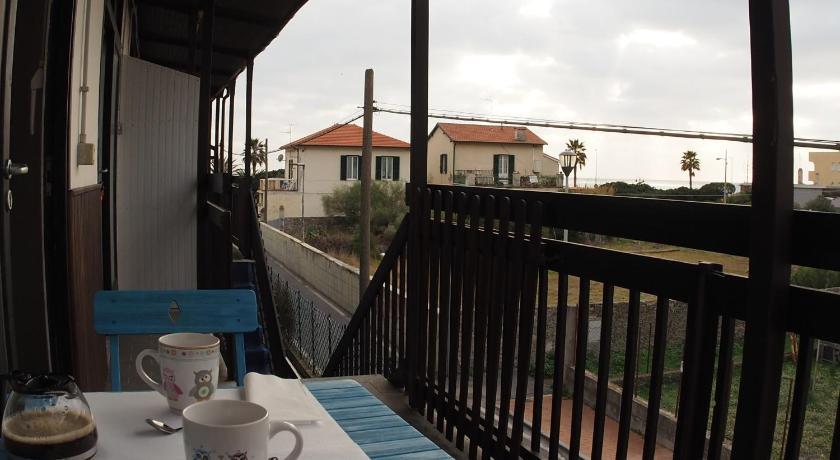 Casa vacanze bungalow i girasoli ventimiglia for Disegni casa bungalow