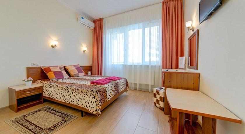 Deluxe Double or Twin Room with Balcony Hotel Katran