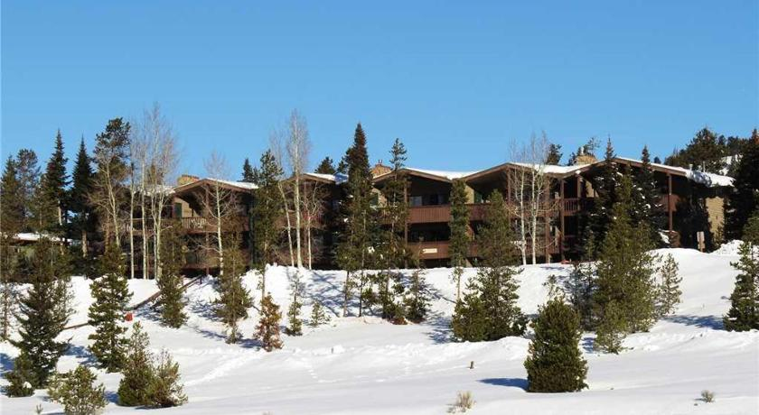 Two-Bedroom Apartment Timberline 13