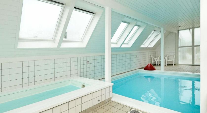 Swimming pool One-Bedroom Holiday home in Lemvig 7