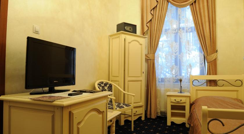 Single Room - Facilities Hotel Carol - Vatra Dornei