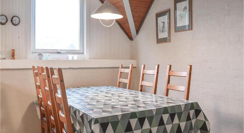 Four-Bedroom Holiday Home Holiday home Milevej Ringkøbing XI