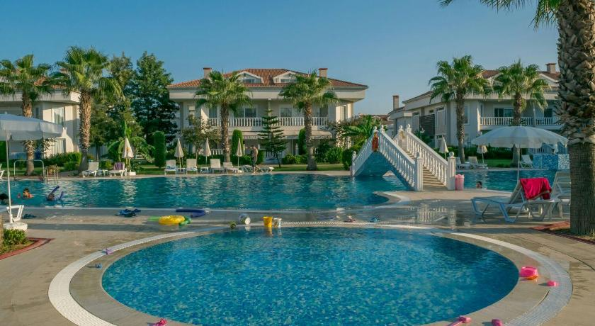 Swimming pool Belek Golf Village - Villa with shared pool
