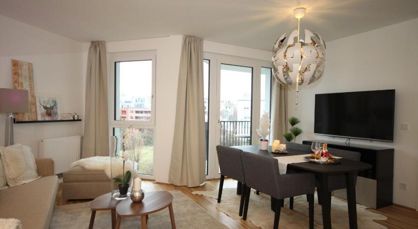 ... Moderne Neue Wohnung Mit Sonnigem Balkon + Garage 14 Nussbaumallee  Vienna ...