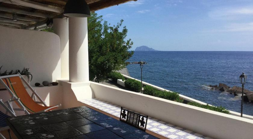 La terrazza sul mare   Prenota online   Bed & Breakfast Europa