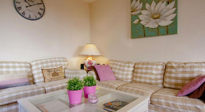 Three-Bedroom Holiday Home Holiday home Saint Sulpice