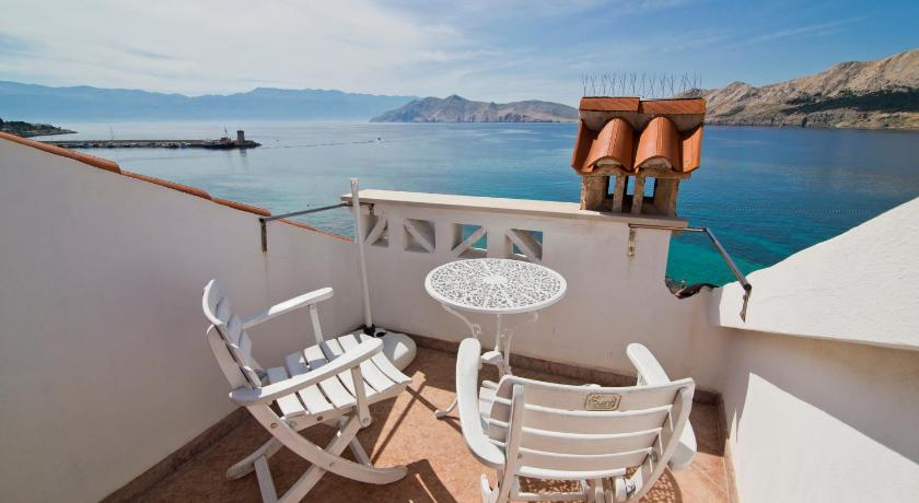 Balkon Apartments with View