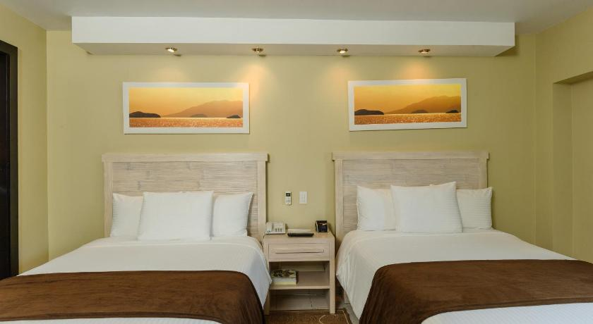 Standard Double Room with Two Double Beds - Bed Riande Granada Urban Hotel