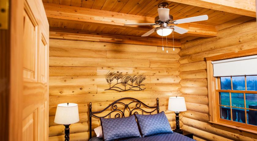 Special Offer - One-Bedroom Queen Suite Village Scandinave Lodge & Spa