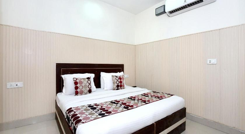 More about OYO 3390 Hotel Imperial