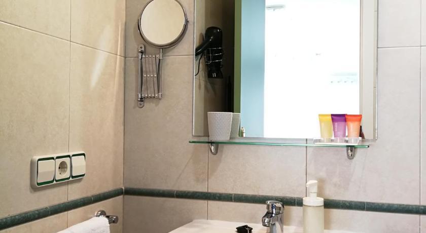 Best price on hotel apartamentos aralso in segovia reviews - Apartamentos aralso segovia ...
