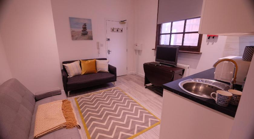 Best Price on St James Street Apartment 1 in Brighton and Hove + Reviews