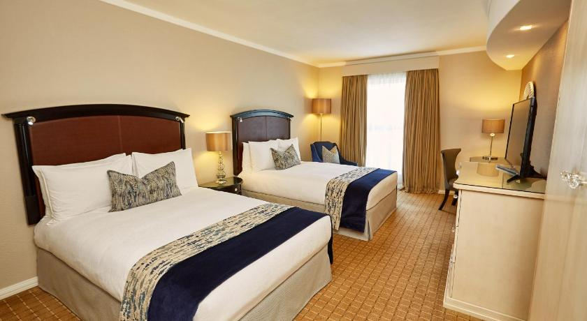 Double Room With Two Beds Guestroom Southern Sun The Cullinan