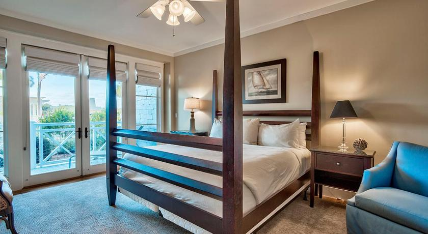 Four-Bedroom Holiday Home - Guestroom At The Waters Edge Townhouse