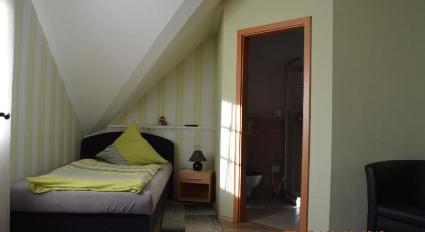 Single Room Gasthaus und Pension Mombergstube