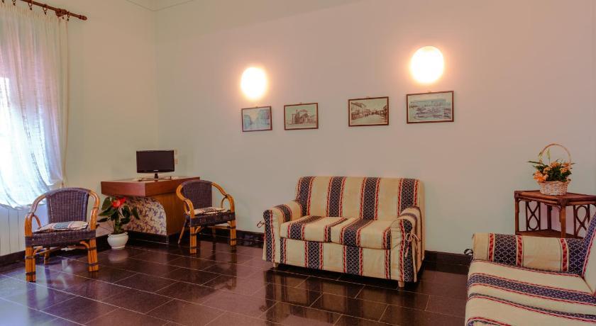 Awesome Residence Alassio Le Terrazze Ideas - Idee Arredamento Casa ...
