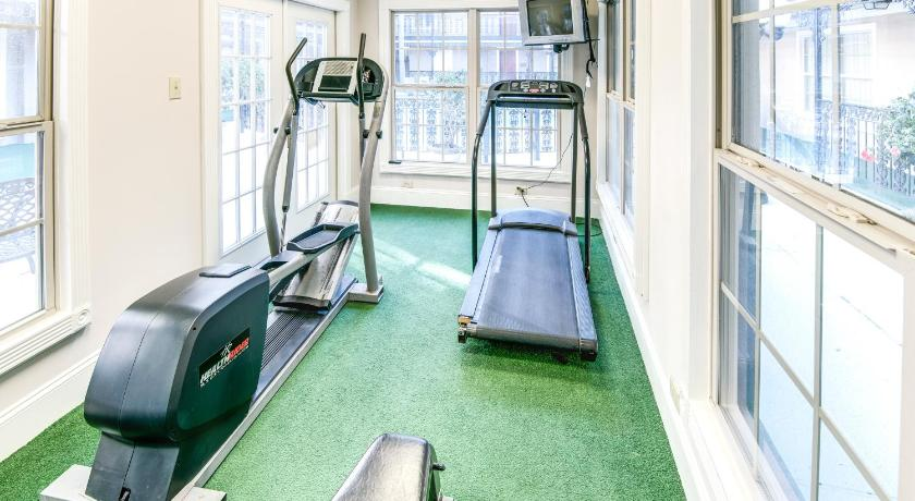 Fitness center Plaza Suites of Metairie
