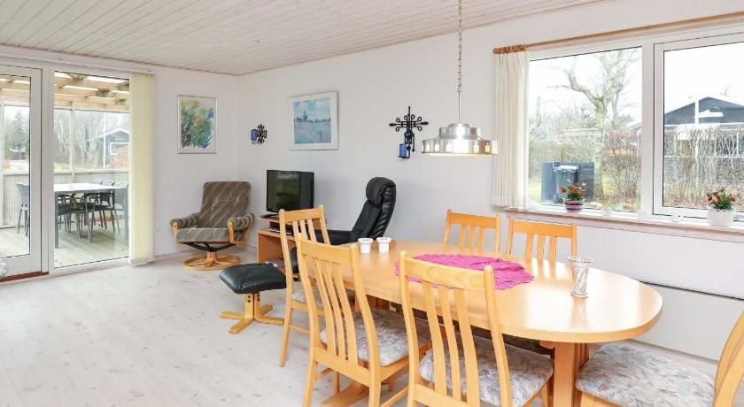 Three-Bedroom Holiday home in Thyholm 7