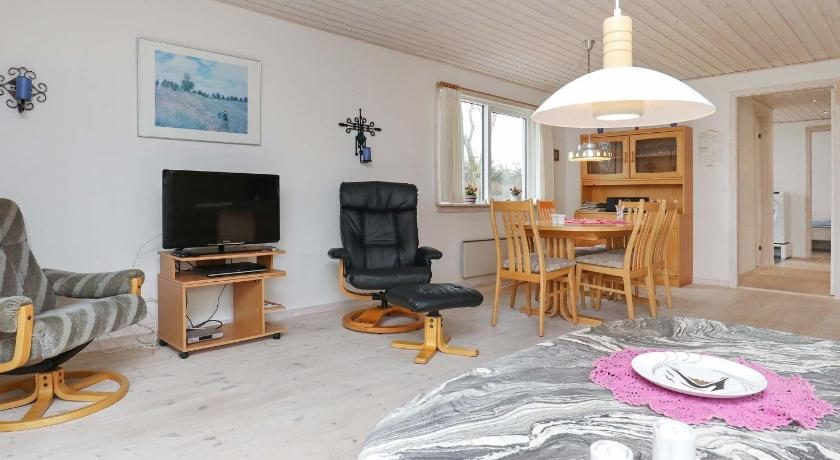 Bekijk alle 25 foto's Three-Bedroom Holiday home in Thyholm 7