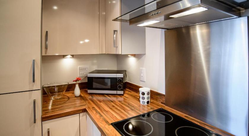 Marina City Apartment 42 Meridian Wharf Trawler Road Swansea