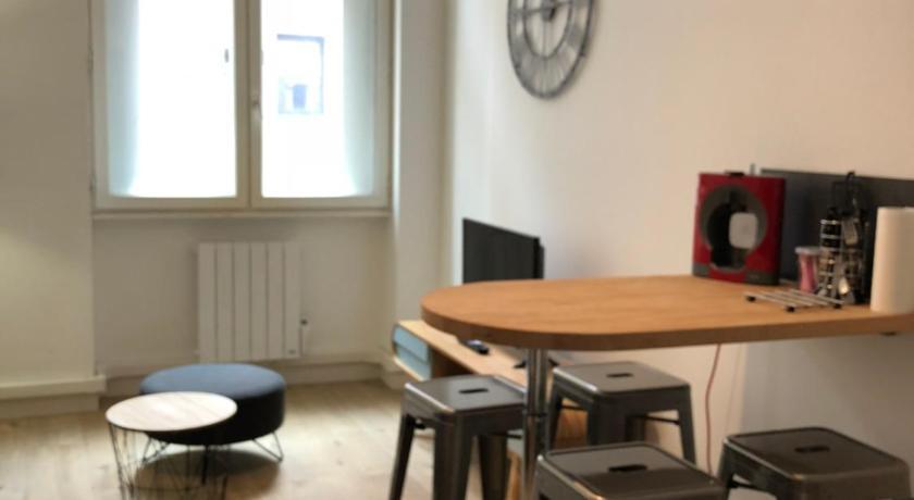 Hyper centre : Appartement Déco Atelier ou Studio Mezzanine - Lyon ...