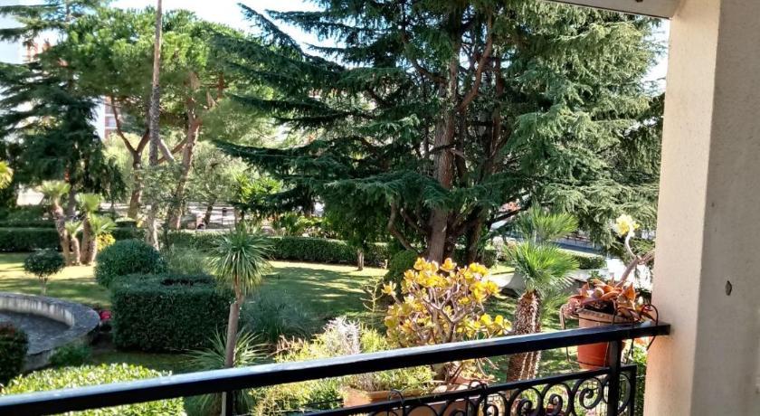 Il Terrazzo Sul Giardino San Bartolomeo Al Mare Italy