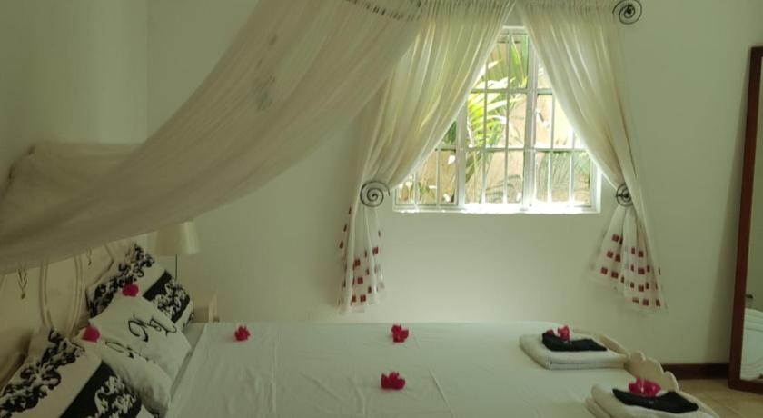 King Room with Garden View Mandinka Lodge