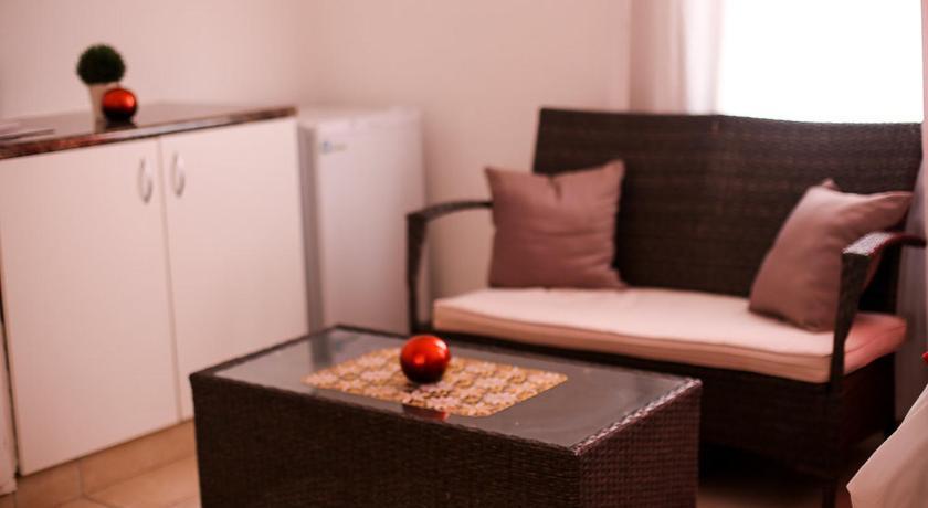 Niizala Guest House - Windhoek | Bedandbreakfast.eu