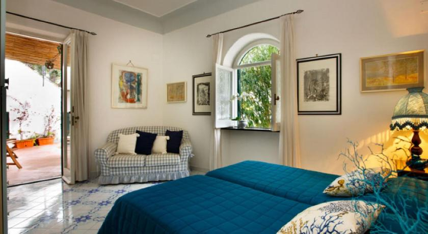 Villa La Terrazza | Book online | Bed & Breakfast Europe