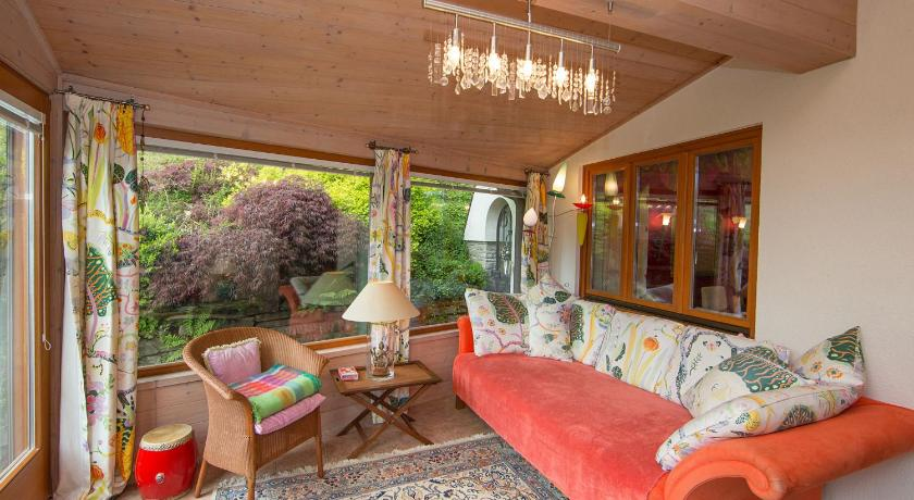 Best Price on Traumchalet Zell am See in Zell Am See + Reviews
