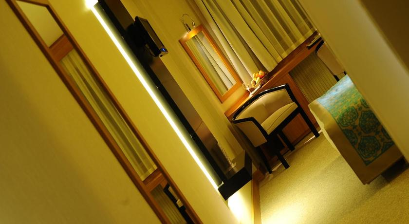 Standard Double or Twin Room Hotel Basri