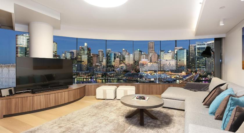 Three Bedroom Apartment   Separate Living Room 3 Bedroom Darling Harbour  Apartment
