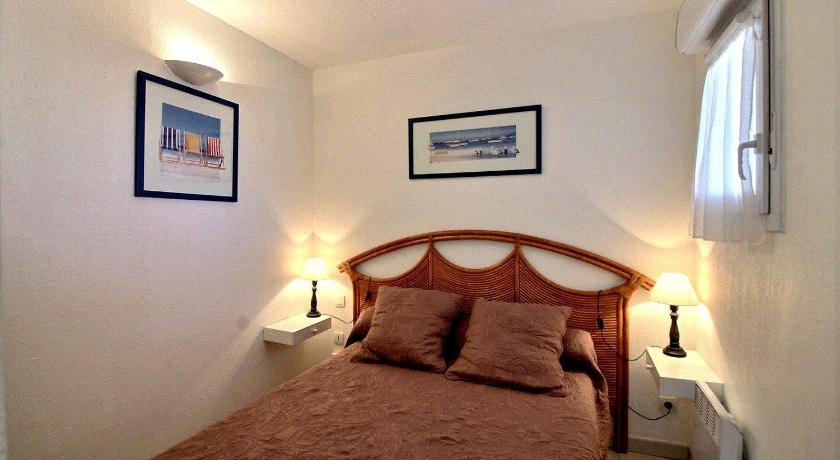 Appartement 1 chambre avec Mezzanine terrasse vue mer piscine ...