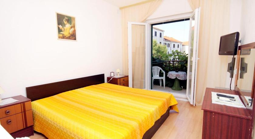 Double Room with Balcony - Guestroom Double Room Supetar 5658a
