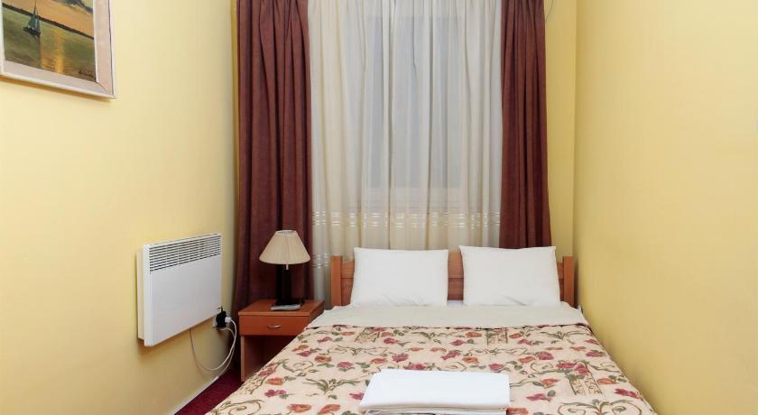Villa Elena Miće Radakovića 2c, Zemun Zemun