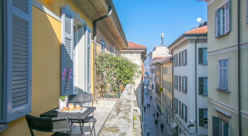 Balkon RHS Serviced Apartments Como