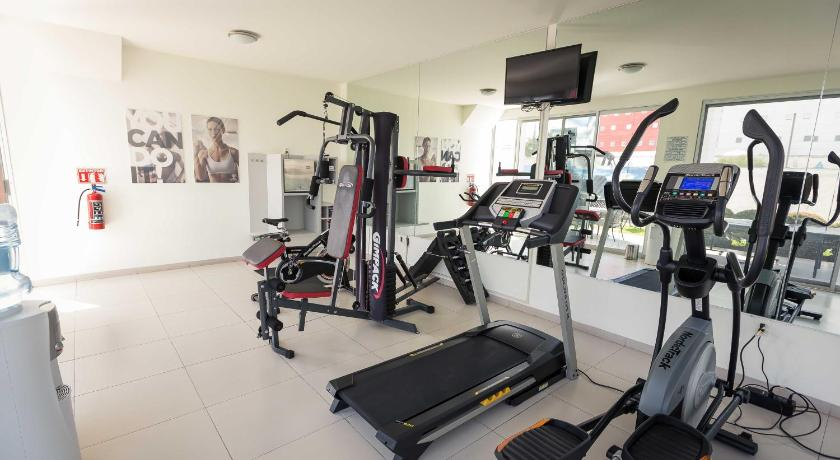gym Redwood Villas Extended Stay Zona Industrial