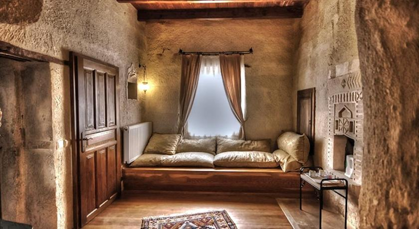 Deluxe Double or Twin Room - Separate living room Dervish Cave House