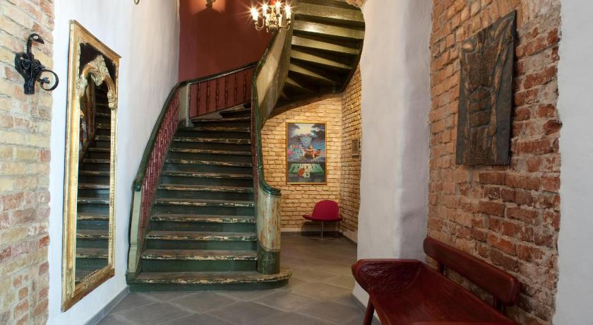 best price on hotel justus in riga + reviews, Badezimmer