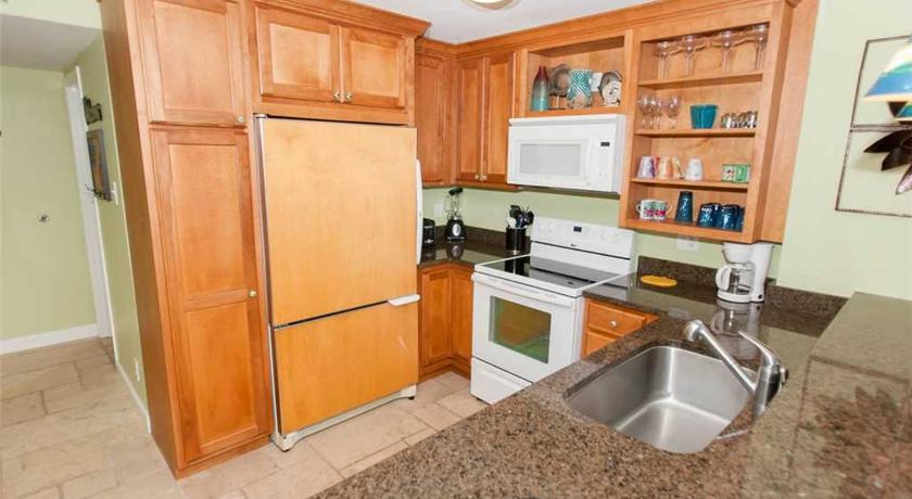 Two-Bedroom Apartment Tradewinds 804