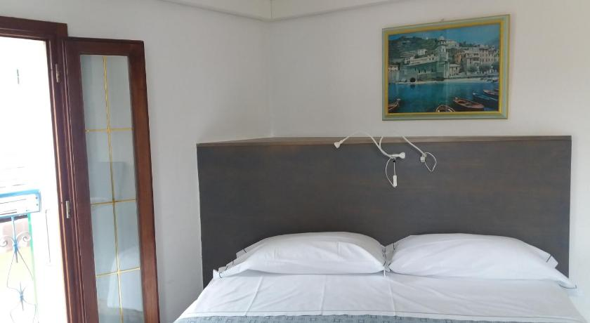 Double or Twin Room with Sea View Affittacamere Elisabetta
