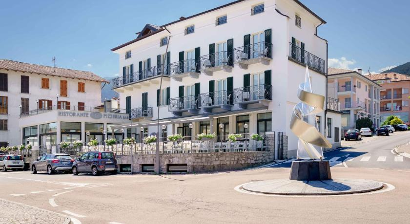More about Residence Riva del Lario