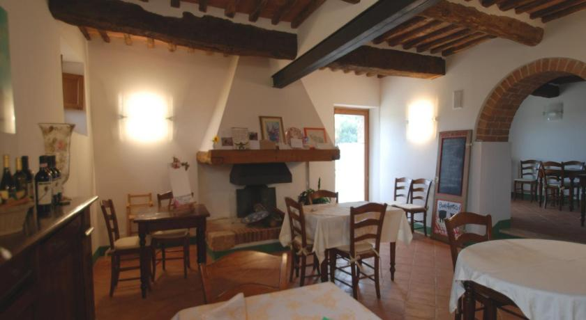 Soggiorno Taverna - Sovicille | Bedandbreakfast.eu
